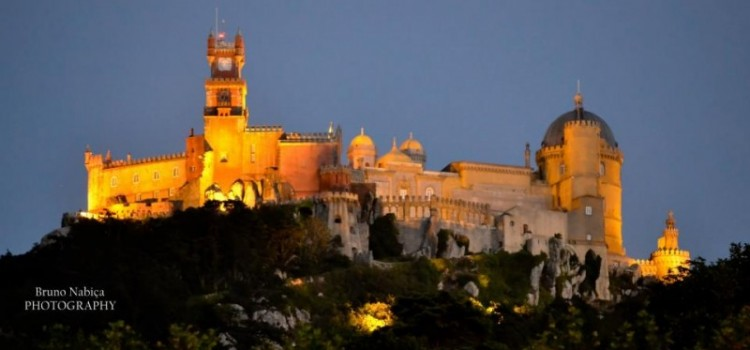 Guided visit and dinner at Palácio da Pena in June