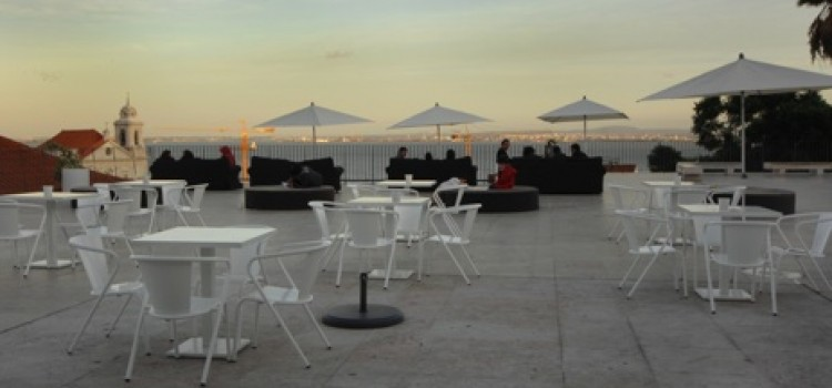 Miradouro das Portas do Sol, Viewpoint